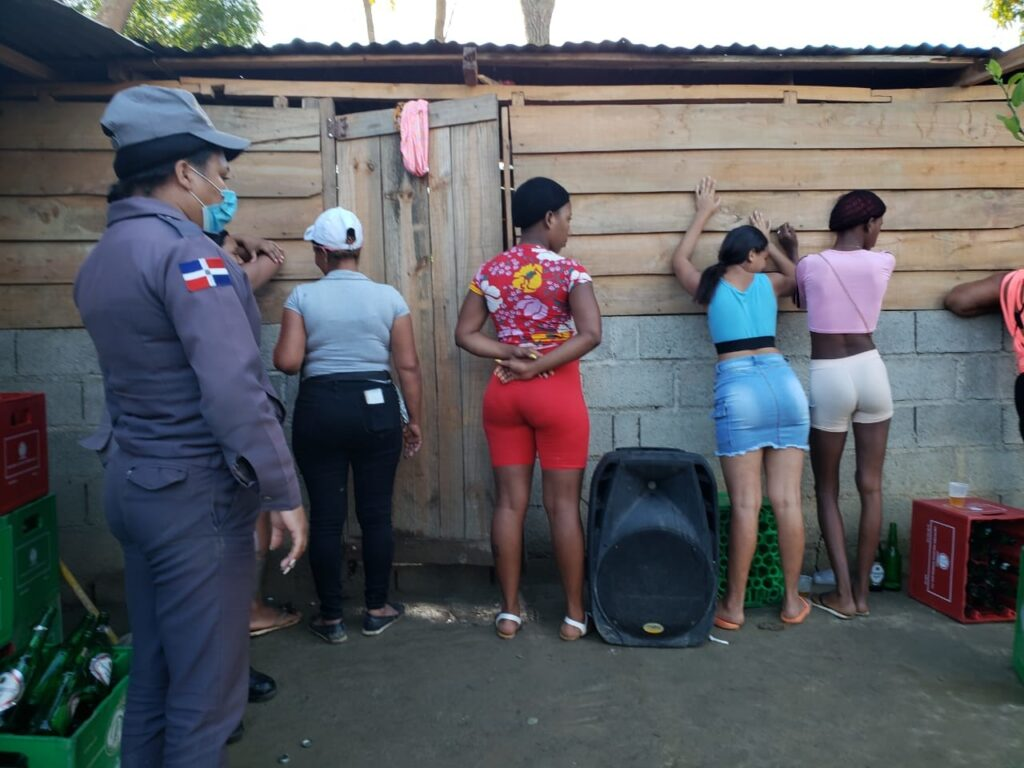Two operations rescue six girls from Dominican bars